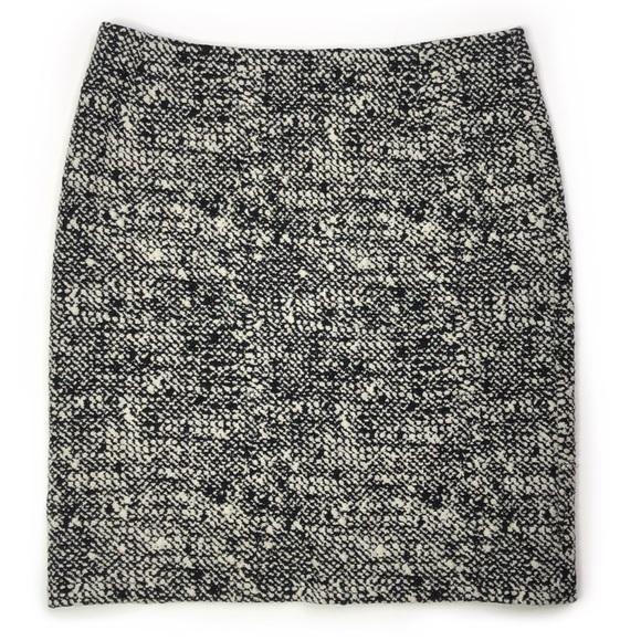 Akris Punto Bouclé Tweed Black White Pencil Skirt